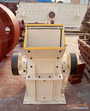 High efficient hammer crusher/crushing machine/stone crusher/rock  cru
